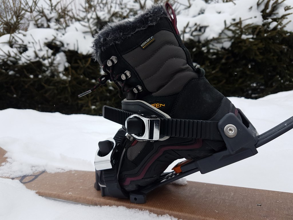 chaussures-fixations-universelles-ski-raquettes_08.jpg