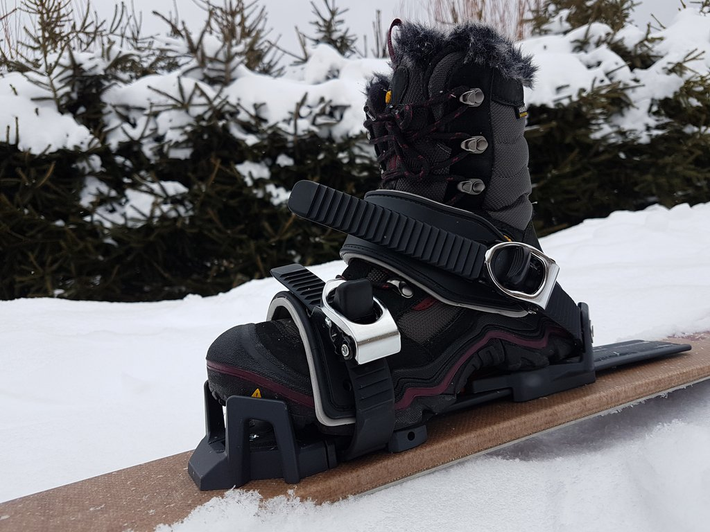 chaussures-fixations-universelles-ski-raquettes_06.jpg