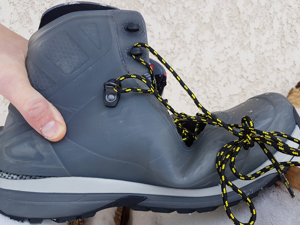 chaussures-fixations-universelles-ski-raquettes_12.jpg