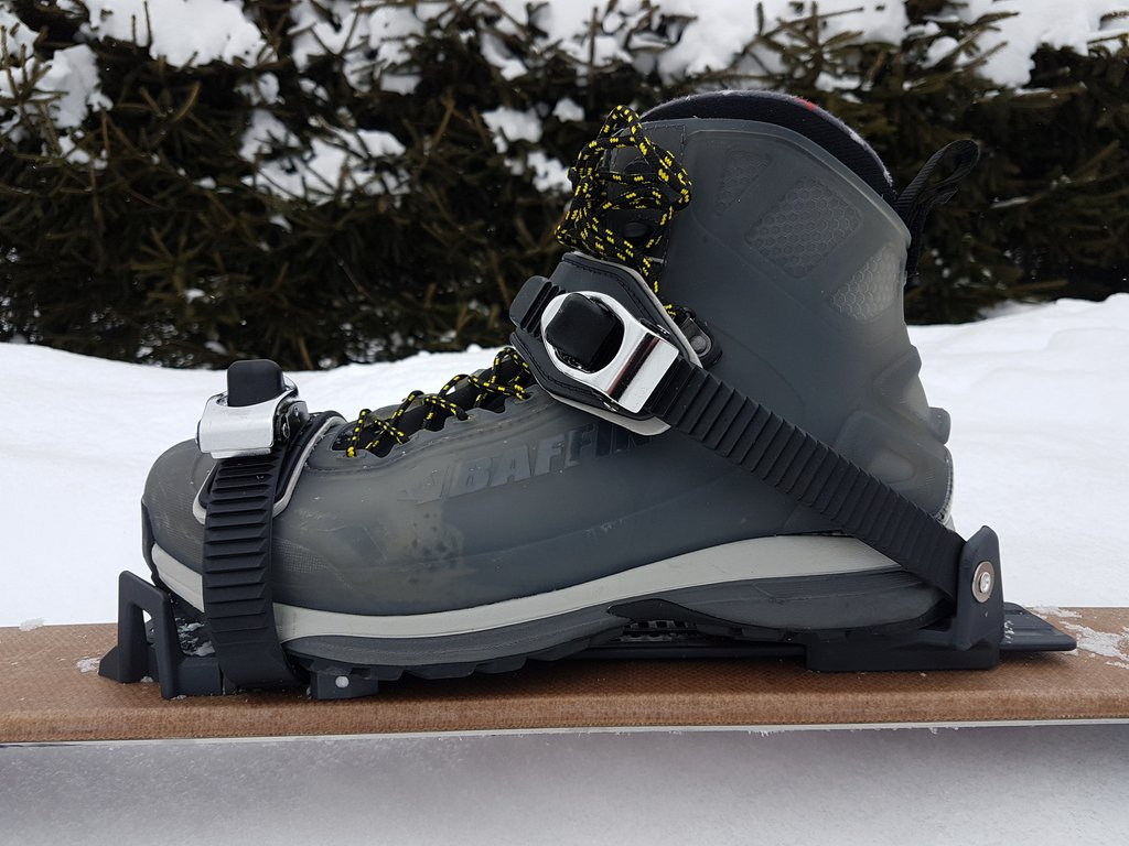 chaussures-fixations-universelles-ski-raquettes_02.jpg